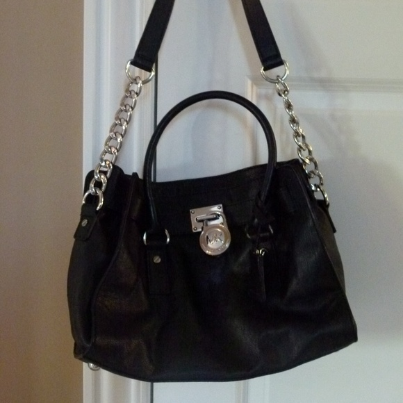 Michael Kors Handbags - Michael Kors Hamilton black